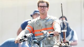 FIRST LOOK! Chris Hemsworth Is a Hot Nerd On 'Ghostbusters' Set!