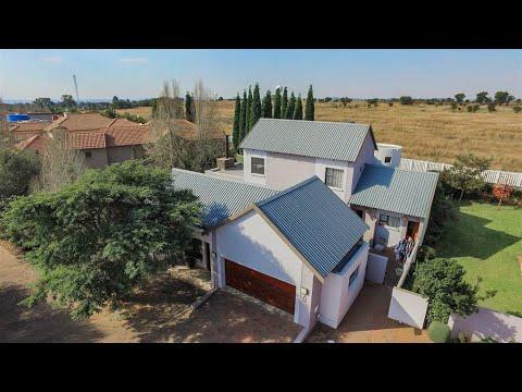 3 Bedroom Townhouse for sale in Gauteng   Centurion   Centurion East   Midstream Estate  