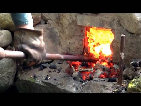 Blacksmithing - Iron smelting and forging a poor bloom