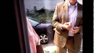 3 Armed FBI Agents Pounding on Door 7 31 14