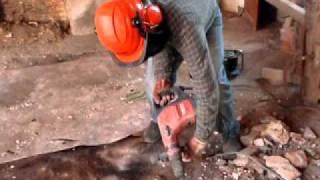 Gladde Tegels Opruwen : Tegels verwijderen met beitel