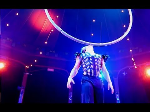 Spiegelworld 'Empire' Show - Hula Wheels