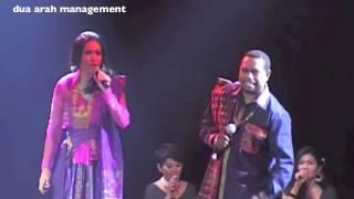Lea Simanjuntak & Edo Kondologit - Sik Sik Sibatumanikam & Sajojo