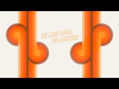 Coque Malla - Un lazo rojo, un agujero feat. Kase.O (Lyric Video)