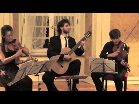 Roland Dyens: Tango En Skai , NEXT GENERATION QUARTETT & Petrit Çeku, Gitarre