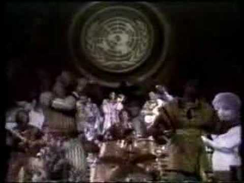 Earth, Wind &Fire - That's The Way Of The World