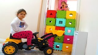 Öykü Color Brick Block Wall Toys  and work trolley toys - Fun Kids Video