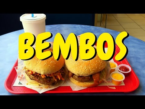 Bembos: Eating Peruvian fast food burgers in Lima, Peru
