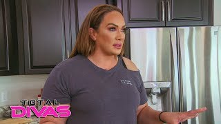 The Total Divas confront Nia Jax over putting them to work: Total Divas, Oct. 17, 2018