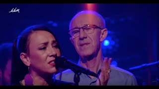Slongs - Wat Je Doet Met Mij ft. Raymond van het Groenewoud (live op Van Gils & Gasten 2019)