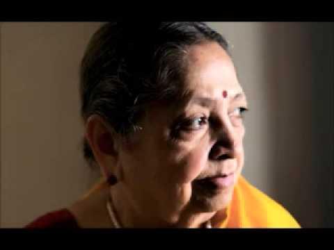 Dhondutai's talk in Hindi  about Kesarbai and Jaipur Gayaki.