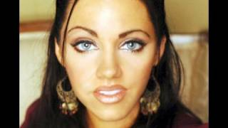 Venetian princess Gorgeous golds inspired make up look thumbnail