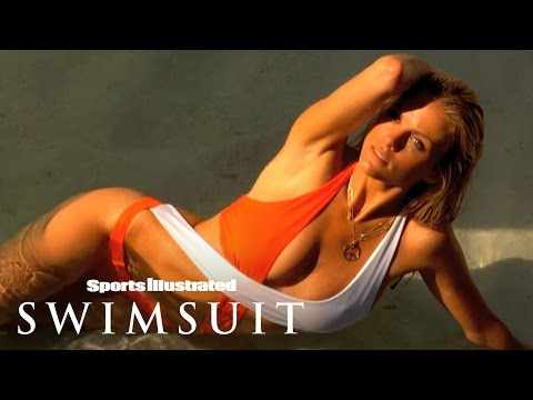 Sports Illustrated's 50 Greatest Swimsuit Models: 5 Brooklyn Decker  Sports Illustrated Swimsuit