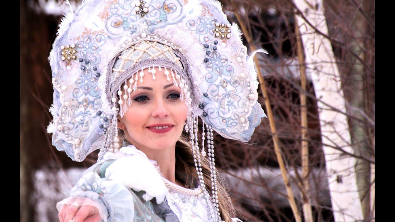 video-russkih-krasavits-domashnie-golie-devushki-bez-trusov-i-lifchikov
