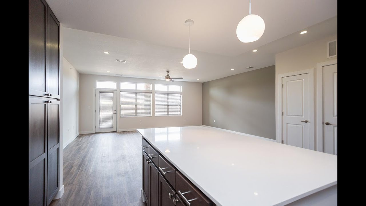 the rent flats east open lincoln floorplan apartments for living at room upscale ne in crop