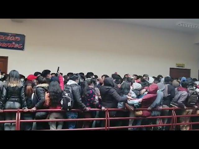 Al menos tres estudiantes murieron al ceder una baranda de Universidad Pública de El Alto en Bolivia