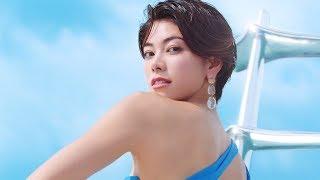 森星、塔の上で輝く美肌を披露  「アネッサ」新CMが公開 森星 検索動画 17