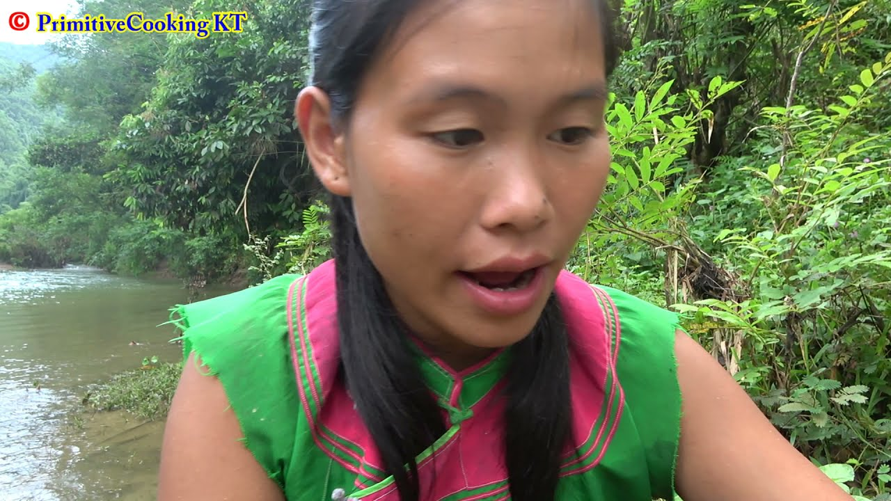 Survival Skills - Catch A Lot Of Fish From Mud Pit Underground - Cooking Fish Eating Delicious