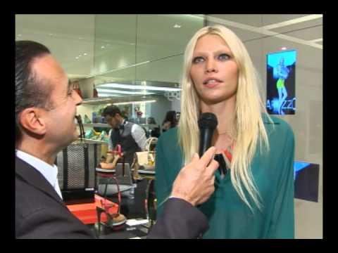 Aline Weber na inauguração Arezzo JK, entrevista com Francisco Chagas no Over Fashion.