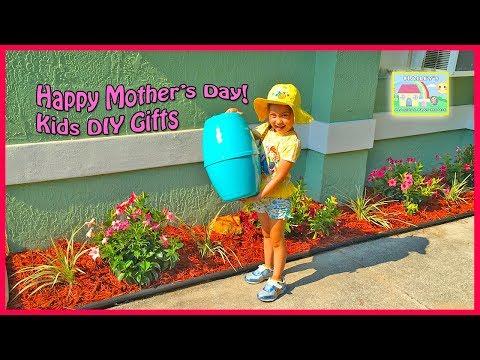 Best Mother's Day Gift & Giant Egg Surprise Opening Toys Like Frozen Elsa and Anna | Kids DIY Flower