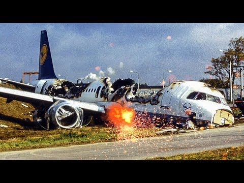 Airbus A320 Crashes After Landing | Disaster in Europe | Lufthansa Flight 2904 | 4K