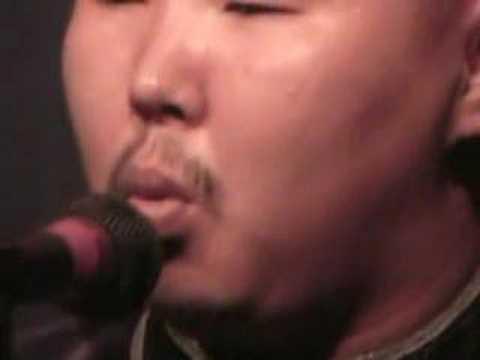 Tuvan Throat Singing Igil solo, singing in xoomei & kargyraa styles - Alash