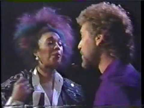 Earl Thomas Conley & Anita Pointer - Too Many Times (& brief interview)