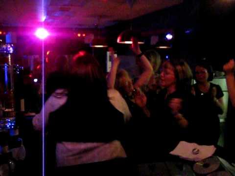 hot wok karaoke tollcross road 31/01/09