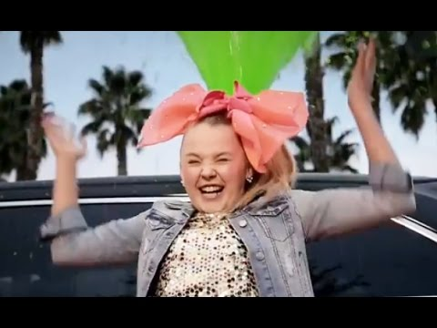 JOJO SIWA SIGNS WITH NICKELODEON - GETS HER OWN TV SHOW