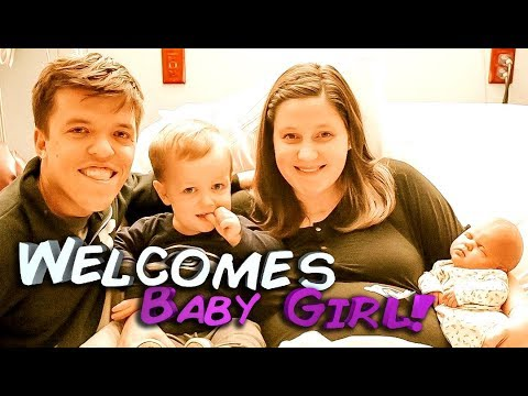 tori-roloff-welcomes-baby-girl!-see-the-amazing-new-family-photo!