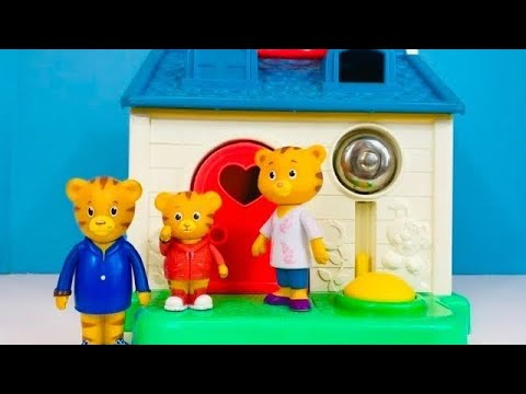 FISHER PRICE LITTLE PEOPLE House Daniel Tiger Toys Miniature Objects Game