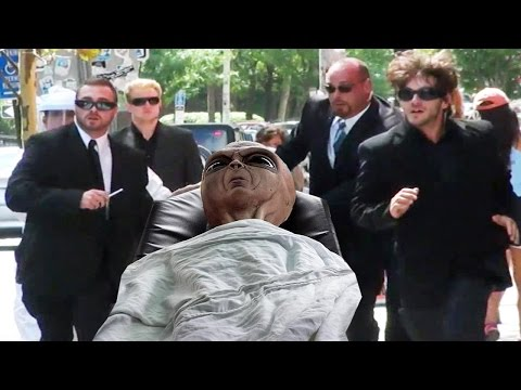 MIB Alien Prank In Real LIfe