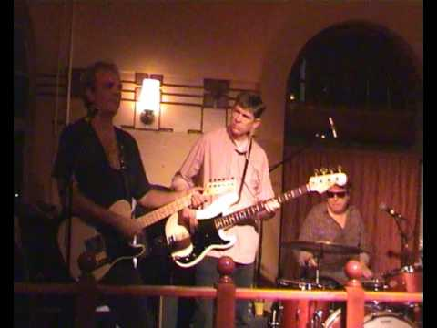 Eve and the Exiles -Bo Diddley's a Gun Slinger- Live @Juttutupa