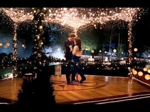 Bella & Edward bailan amorosamente Travel Video