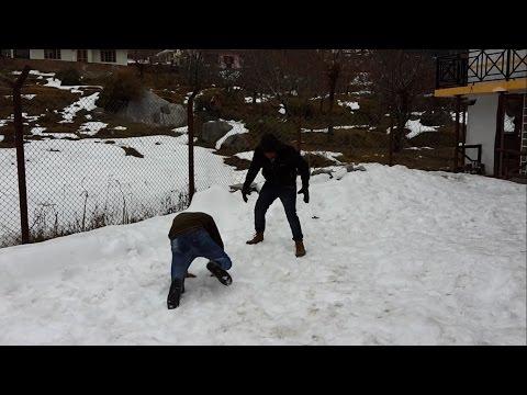 Snow Fighting   Manali, Himachal Pradesh   Friend's outing