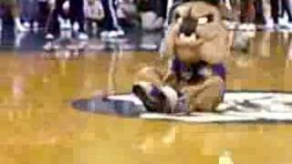 Butler Bulldog Mascot Going Crazy