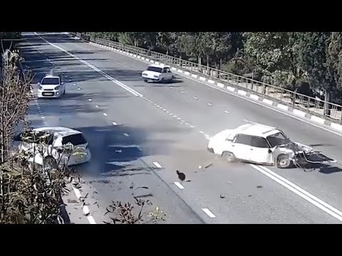 CCTV CAR CRASHES COMPILATION 2018 #EP. 20