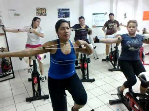 Clases de spinning de miss faby spincycling and gym for Clases de spinning