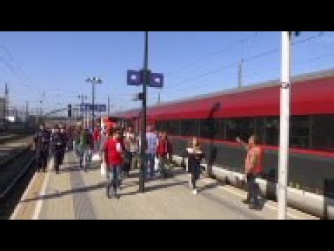 Special trains put on to take migrants to Germany