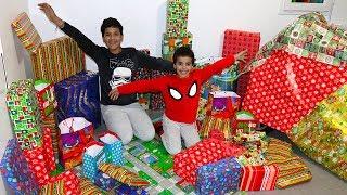 Ouverture des cadeaux de Noël 2018 ,adel sami, les boys tv2