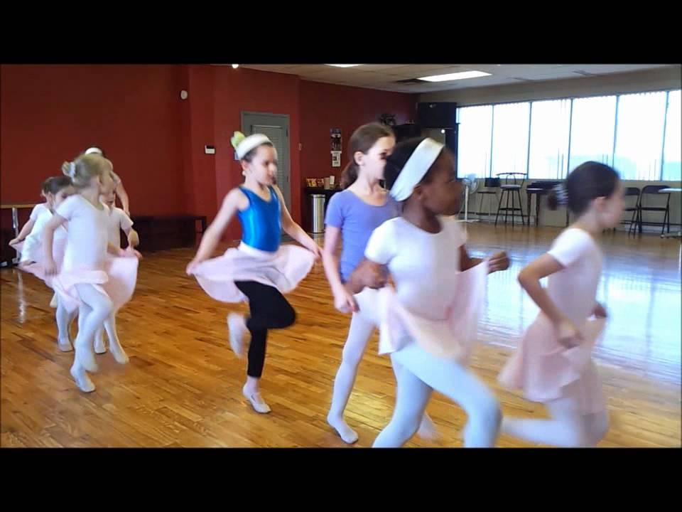 Cole de danse bailamos studio cours pour enfants pr for Cours de danse classique pour adulte