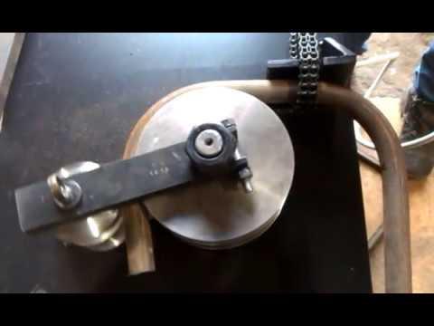 гибка круглой трубы в угол