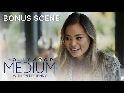Jamie Chung Gets Reading From Tyler Henry | Hollywood Medium with Tyler Henry Bonus Scene | E!