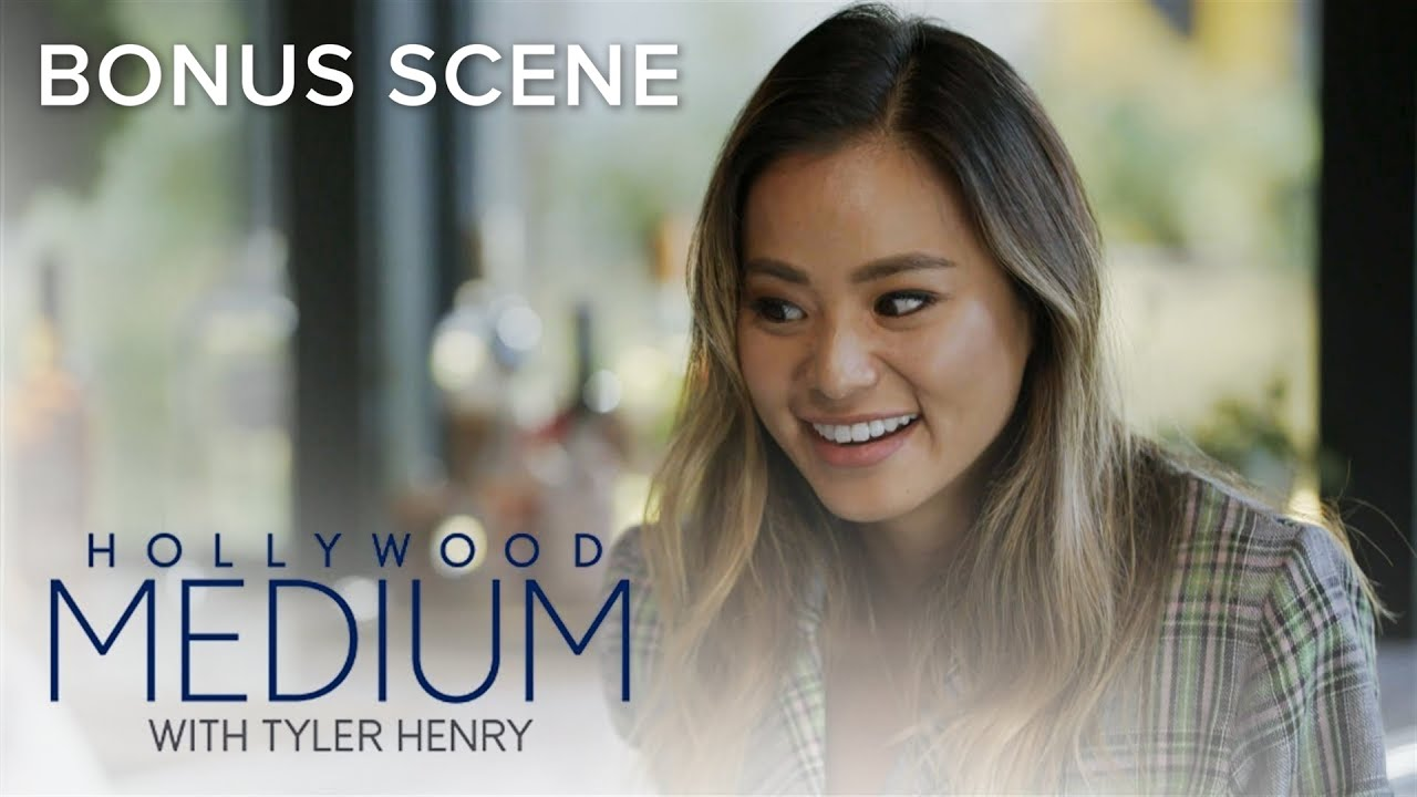 Jamie Chung Scene jamie chung gets reading from tyler henry | hollywood medium with tyler henry bonus scene | e!