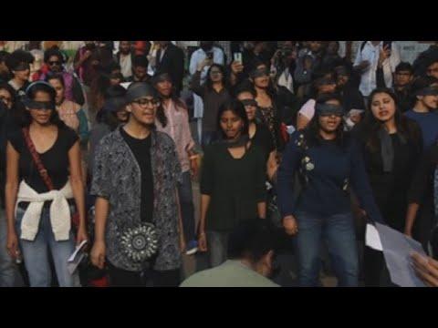 'El violador eres tú' chega a unha India conmocionada polas últimas agresións