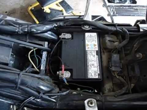 2003 hd ultra classic battery removal - youtube