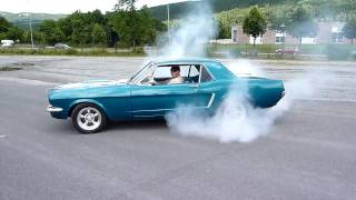 1965 Ford Mustang burnout.m2ts