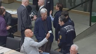 AFD-MANN STEFAN RÄPPLE: Provokation bis die Polizei kommt