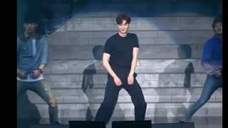 Looks Like Lee Jong Suk of W Has Finally Improved his Dancing Skills