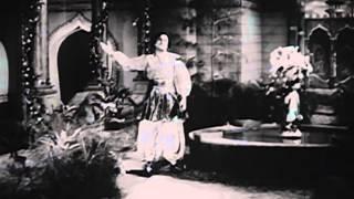 Mayakkum Maalai - MGR, Rajakumari - Gulebakavali - Tamil Classic Song